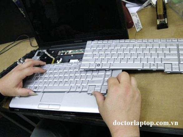 Thay bàn phím laptop dell - 3