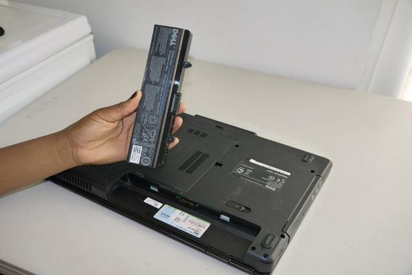 Sửa laptop không lên hình - 2