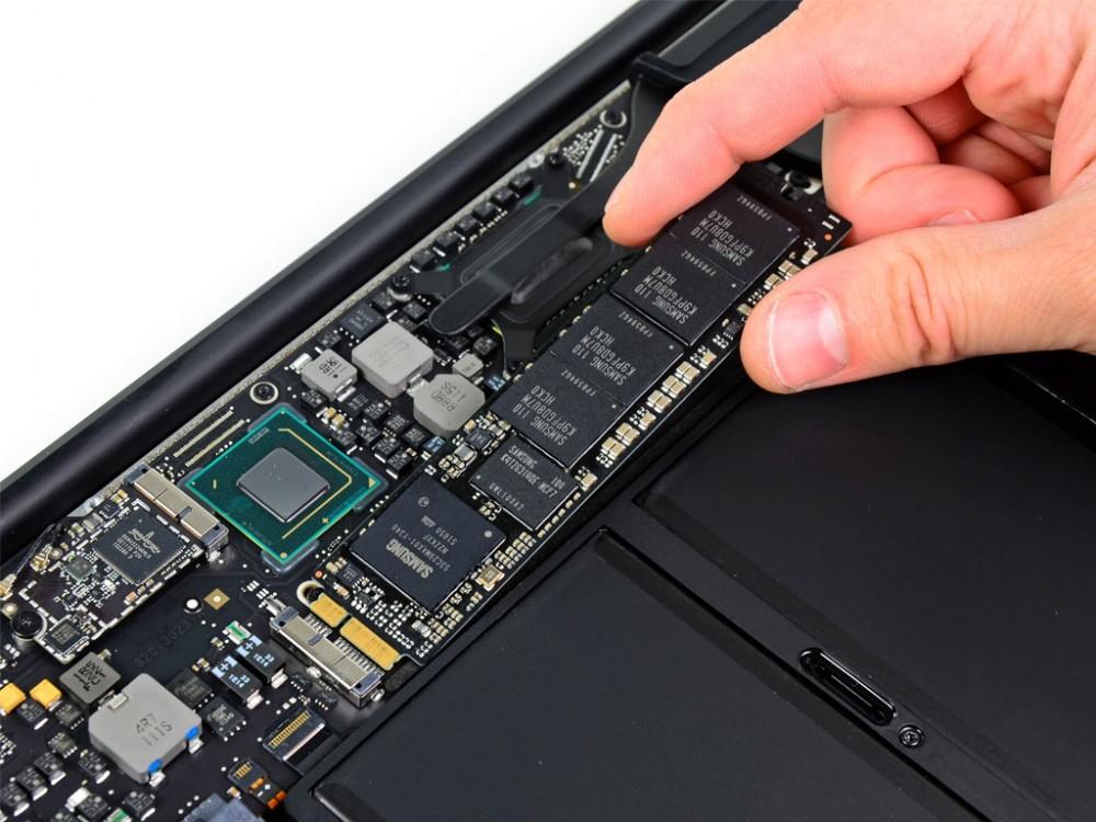 Nguyên nhân và cách sửa lỗi sạc pin macbook không vào điện - 5