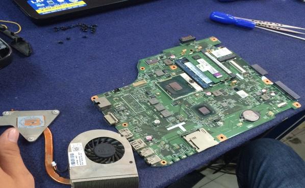 Thay chip vga laptop dell - 1