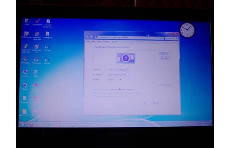 Lỗi màn hình bị ố hay đốm mờ trên laptop và cách khắc phục - 1