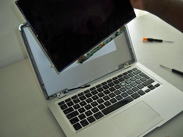 Thay màn hình macbook - 2