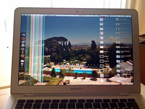 Sửa macbook bị mờ màn hình - 2