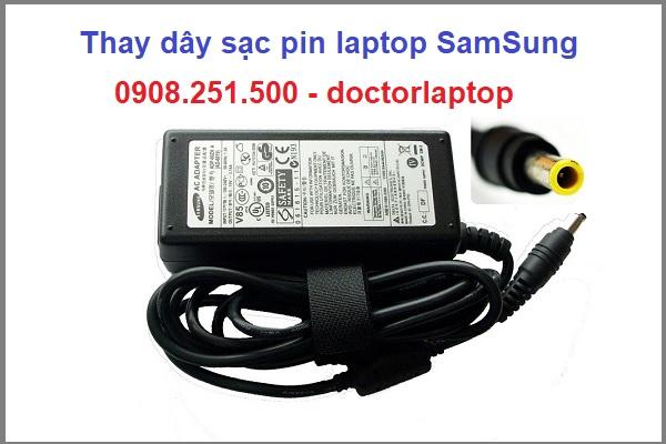 Thay dây sạc pin laptop samsung - 1