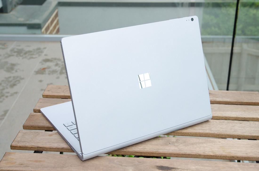 Surface Book 2 sẽ ra mắt cùng với bản lề được thay đổi