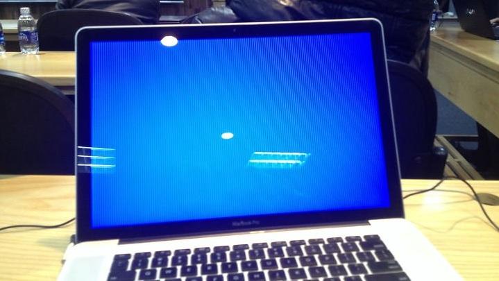Cách sửa lỗi màn hình xanh trên laptop máy tính
