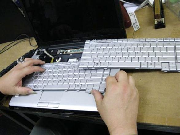 Bảng giá thay bàn phím laptop