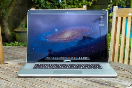 Sửa Macbook bị mờ màn hình
