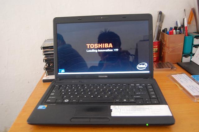Thay màn hình Toshiba C640