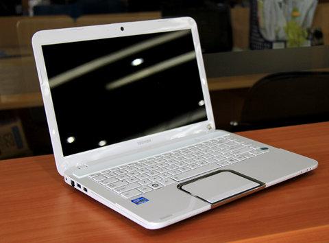 Thay màn hình Toshiba L840