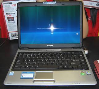 Thay màn hình Toshiba Satellite L310